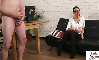 Spex voyeur beauty instructs sub guy