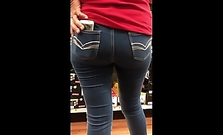 StreetCandids: Latina Granny in red shirt nice ass shoe shopping