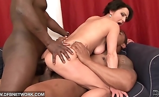 Pussy gets fucked chunky big cocks and she cums so hard eds with facial cumshot