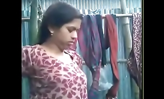 bhabhi giving blowjob~wid hindi a