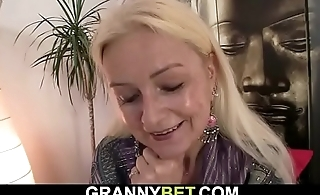 Blonde old granny takes his cock from bankrupt