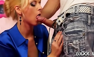 Hottie'_s large snatch dildoded